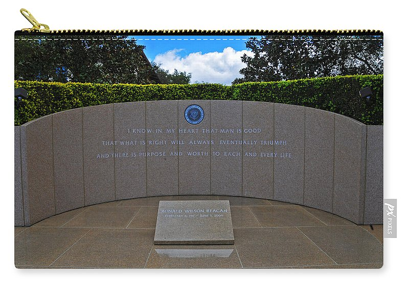 Reagan Library Carry-all Pouch featuring the photograph Ronald Reagan Memorial by Lynn Bauer