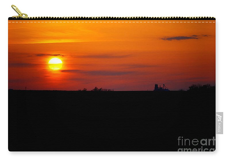 Sunset Carry-all Pouch featuring the photograph Rural Illinois Sunset by Alan Look