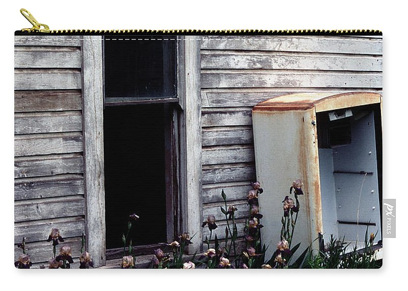 Refrigerator Carry-all Pouch featuring the photograph Rusted And Busted by Sharon Elliott