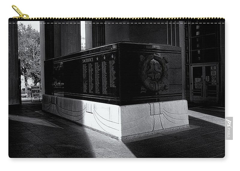 Saint Louis Soldiers Memorial Carry-all Pouch featuring the photograph Saint Louis Soldiers Memorial Black And White by Joshua House
