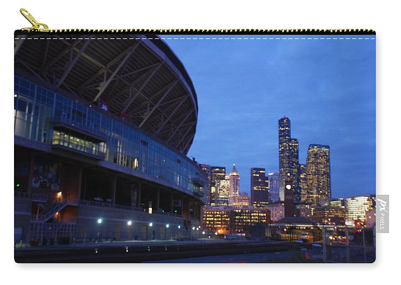 Seattle Carry-all Pouch featuring the photograph Seattle Sky At Dusk by Michael Merry