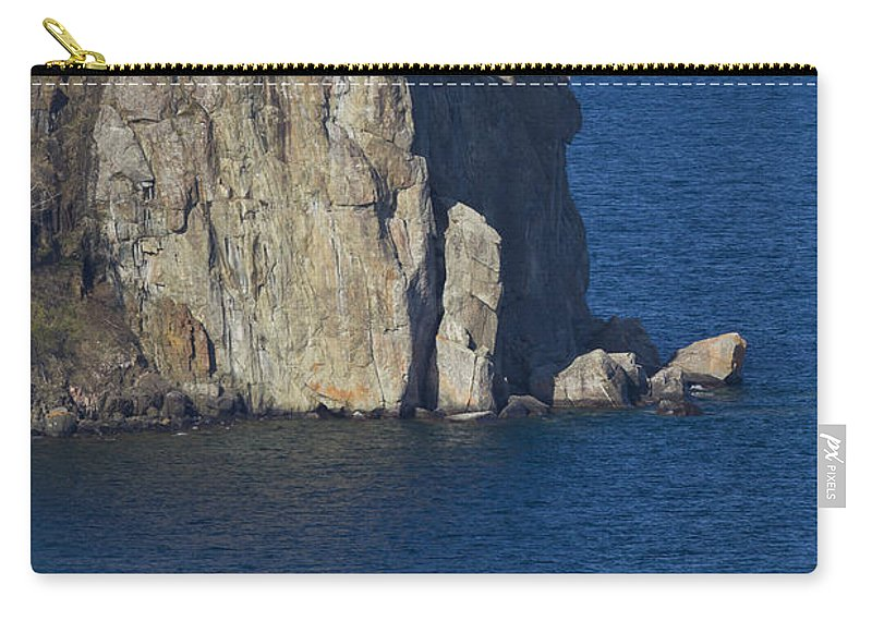 Split Carry-all Pouch featuring the photograph Split Rock Lighthouse 77 by John Brueske