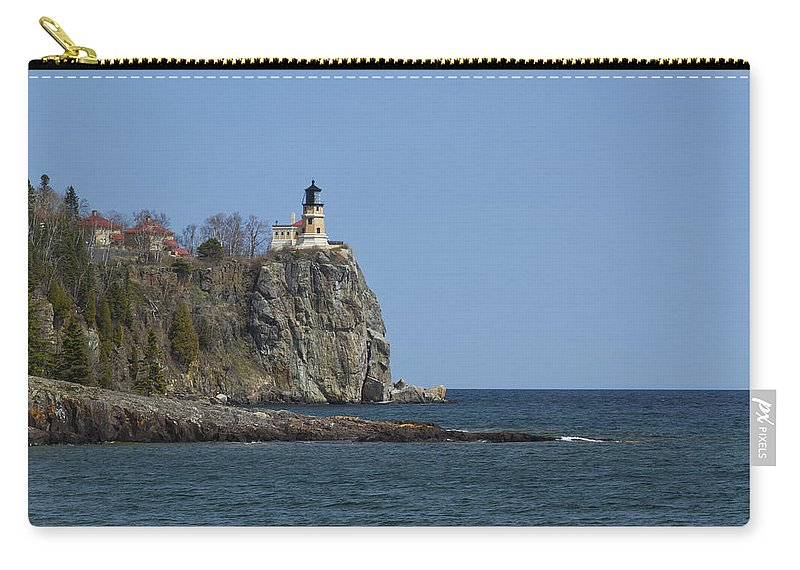 Split Carry-all Pouch featuring the photograph Split Rock Lighthouse 89 by John Brueske