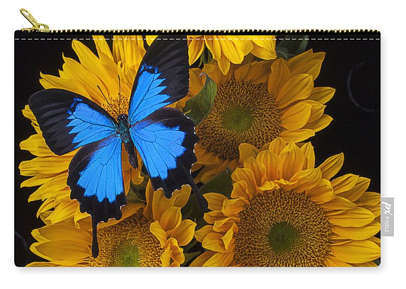 Five Carry-all Pouch featuring the photograph Sunflower Bouquet by Garry Gay