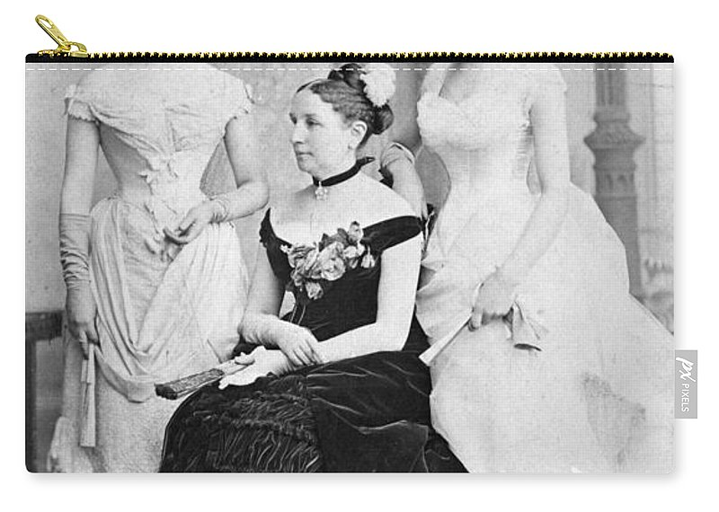 1884 Carry-all Pouch featuring the photograph Taft Family, 1884 by Granger