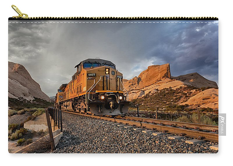 Train Carry-all Pouch featuring the photograph Union Pacific 6807 by Peter Tellone