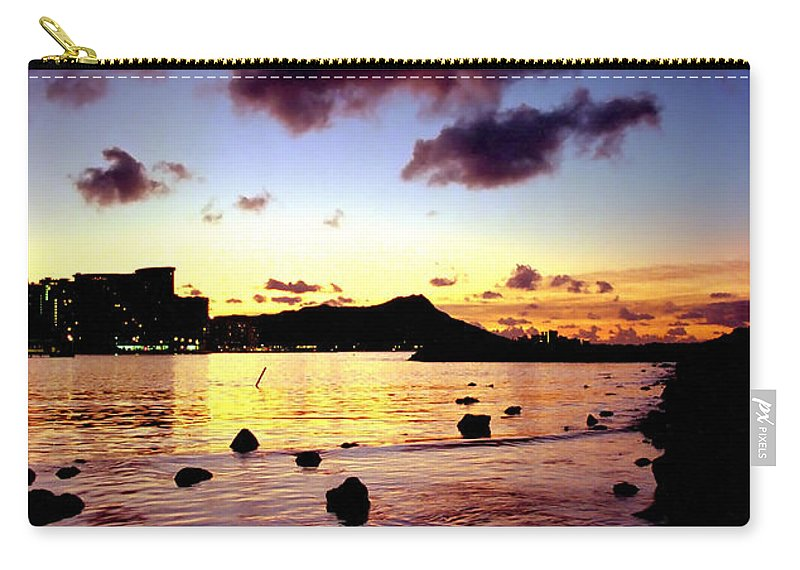 Waikiki Carry-all Pouch featuring the photograph Waikiki Lagoon Dawn by Kevin Smith