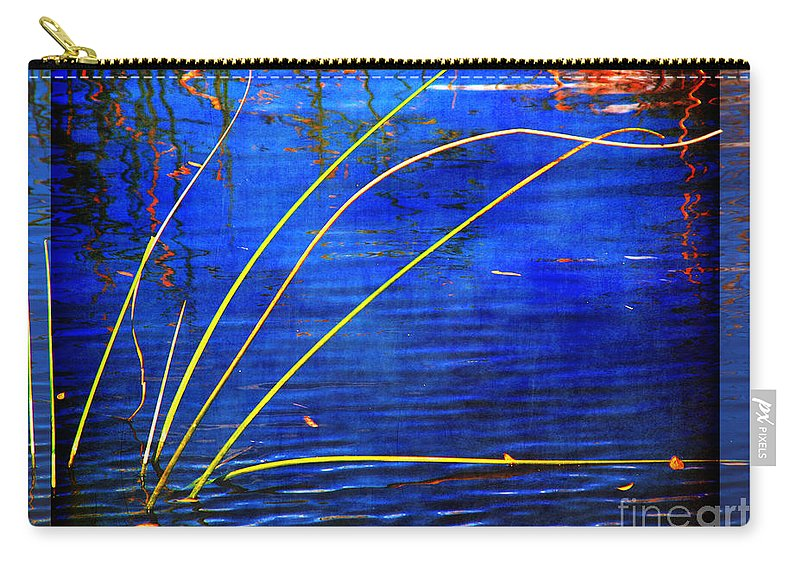 Waving Carry-all Pouch featuring the photograph Waving Goodbye by Susanne Van Hulst