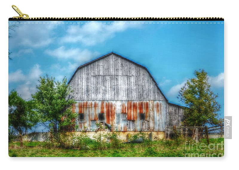 Landscape Carry-all Pouch featuring the photograph Weathered Barn by Peggy Franz