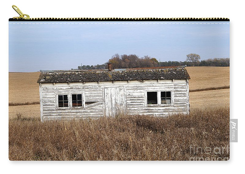Farm Carry-all Pouch featuring the photograph Where Is The Chcken by Lori Tordsen