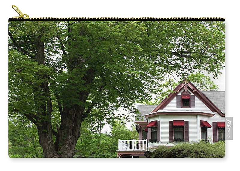 Country Setting Carry-all Pouch featuring the photograph Wild Rose Inn Woodstock by Lorraine Devon Wilke