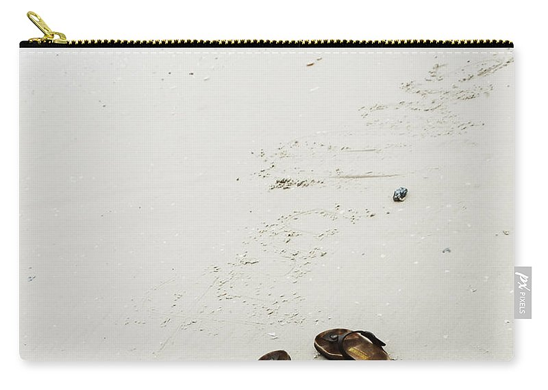 Beach Carry-all Pouch featuring the photograph Wondering by Ivy Ho