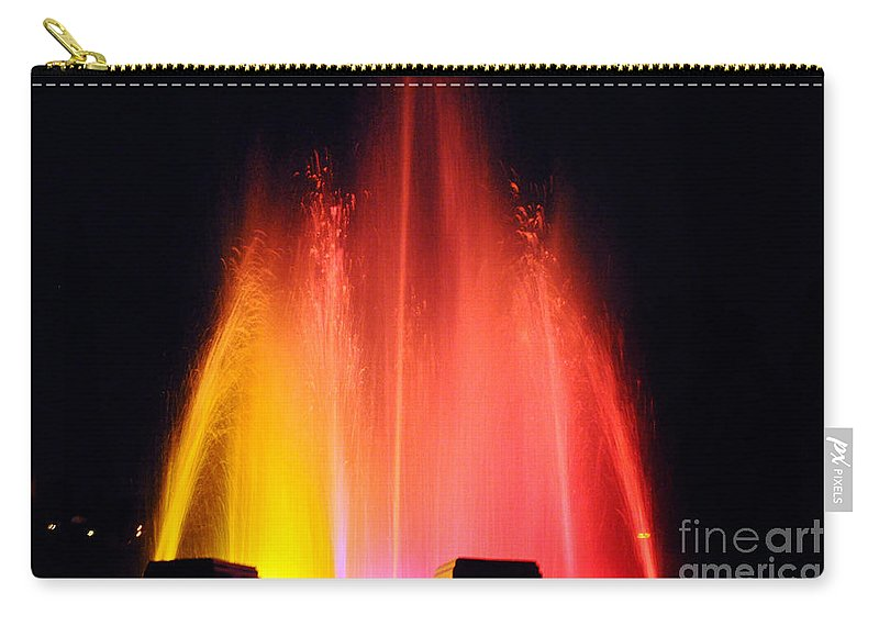 Clay Carry-all Pouch featuring the photograph Mulholland Fountain by Clayton Bruster