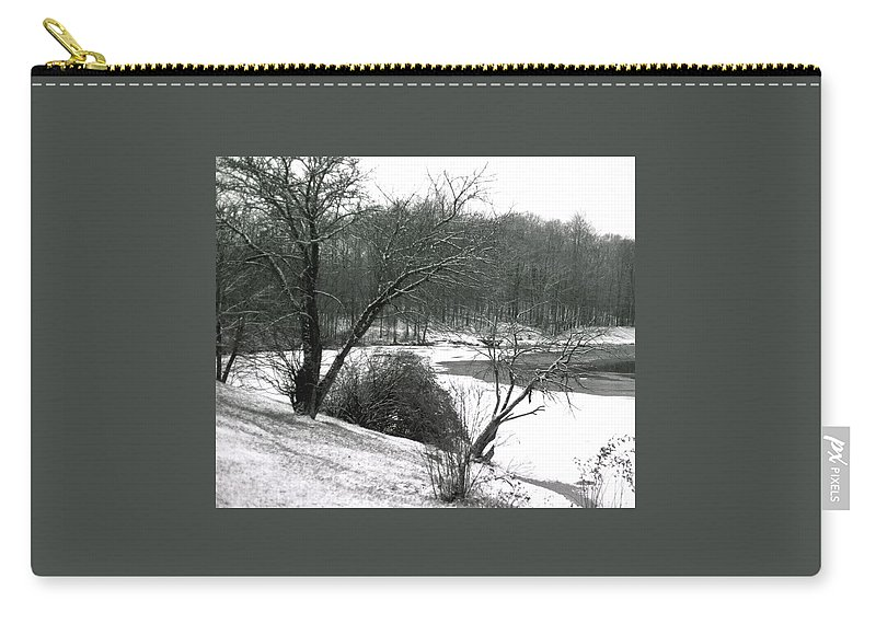 Scenic Carry-all Pouch featuring the photograph 072606-24a by Mike Davis