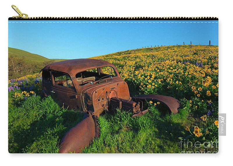 Old Car Carry-all Pouch featuring the photograph Abandoned by Mike Dawson