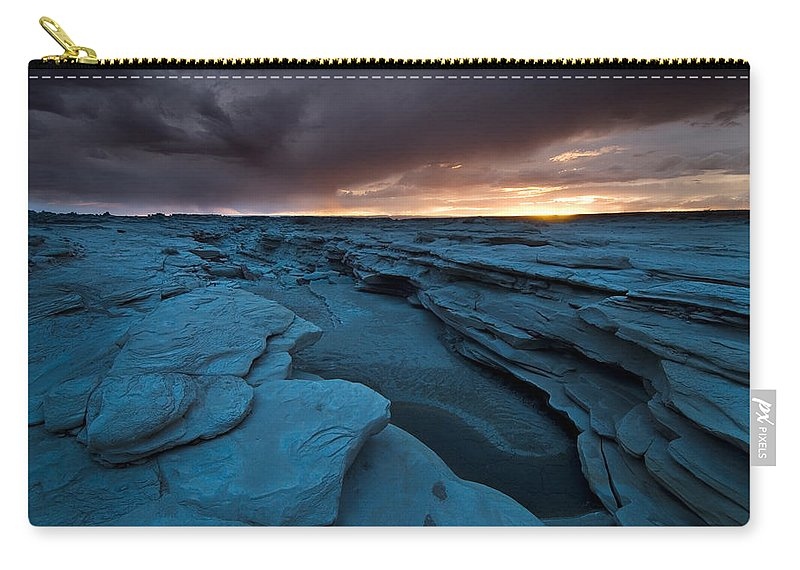 Badland Carry-all Pouch featuring the photograph Bisti Fissure New Mexico by Steve Gadomski