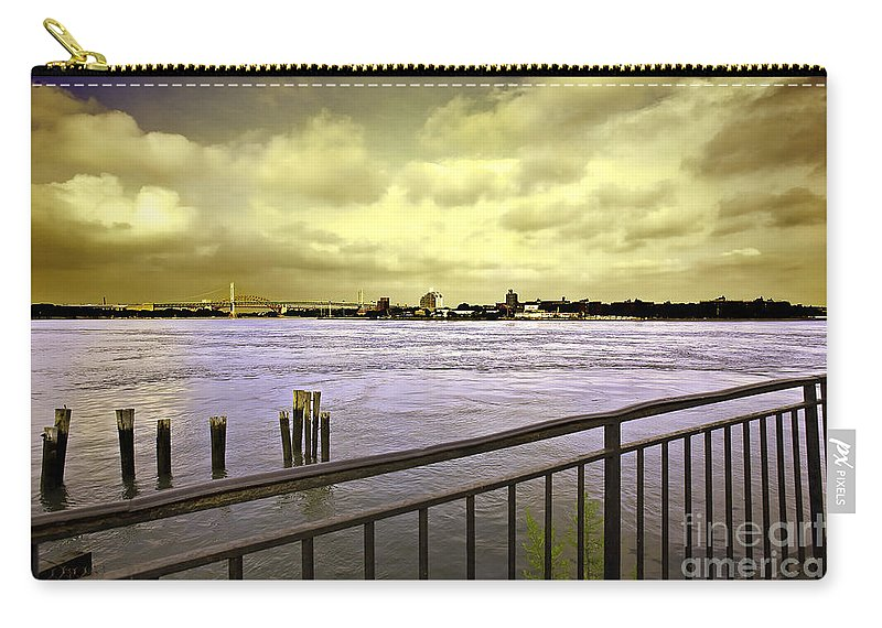 East River Carry-all Pouch featuring the photograph Looking West From The East River by Madeline Ellis
