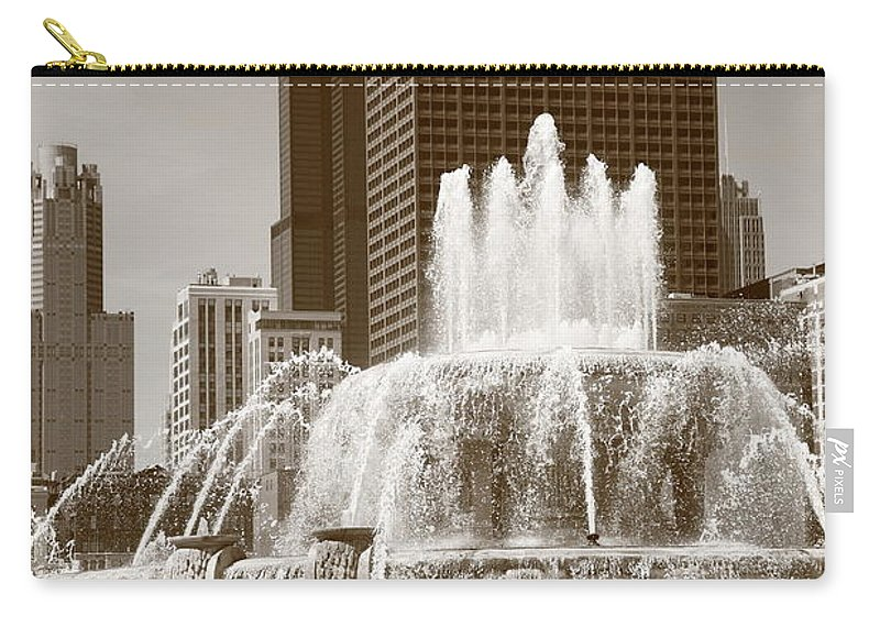 America Carry-all Pouch featuring the photograph Chicago Skyline And Buckingham Fountain by Frank Romeo