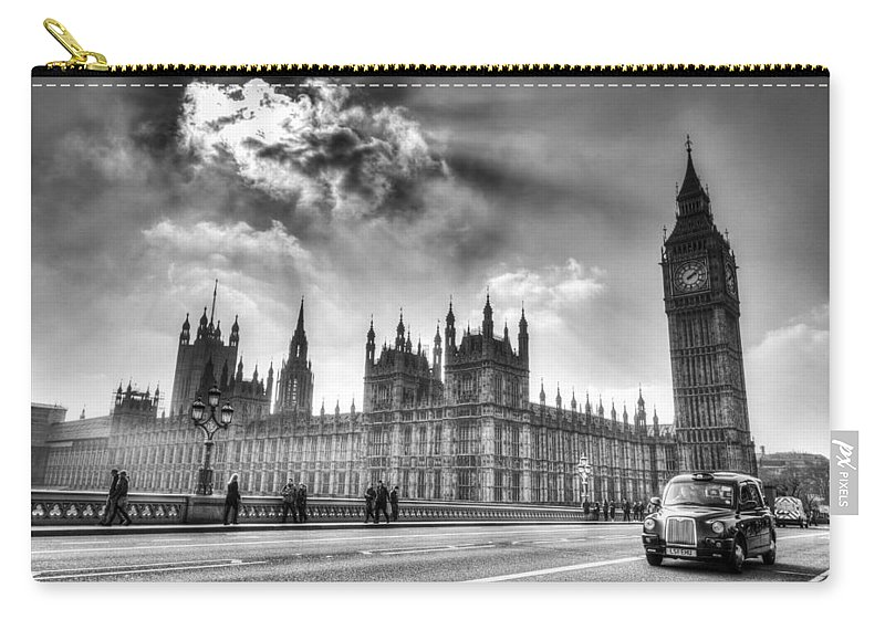 Big Ben Carry-all Pouch featuring the photograph Westminster Bridge London by David Pyatt