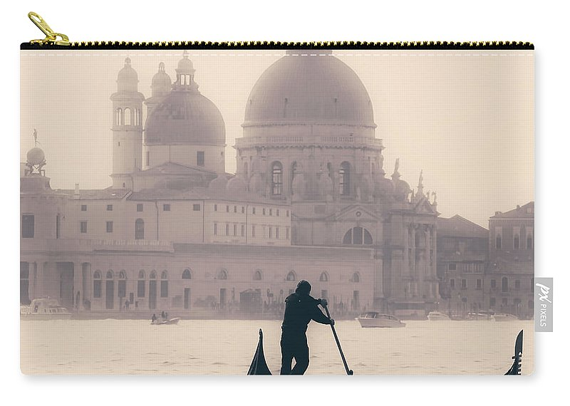 Venice Carry-all Pouch featuring the photograph Venezia by Joana Kruse