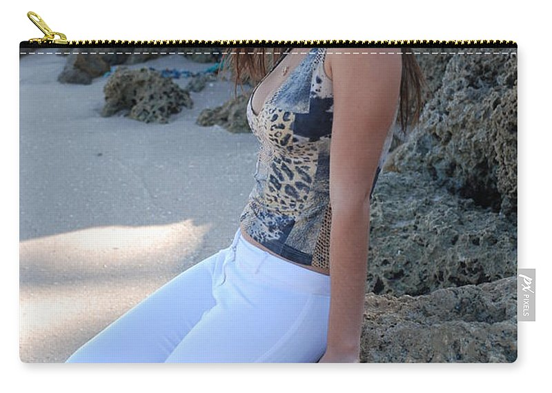 Women Carry-all Pouch featuring the photograph Gisele by Rob Hans