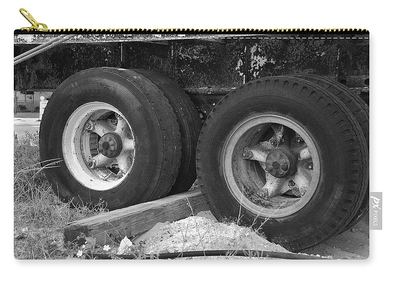 Black And White Carry-all Pouch featuring the photograph 4 Wheel Drive by Rob Hans
