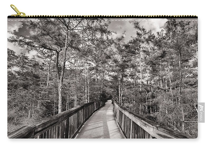 Everglades Carry-all Pouch featuring the photograph Florida Everglades by Raul Rodriguez