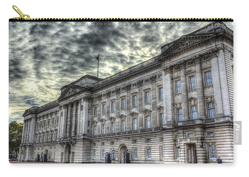 Buckingham Palace Carry-all Pouch featuring the photograph Buckingham Palace by David Pyatt