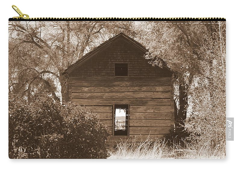 Old Cabin Carry-all Pouch featuring the photograph A Room With A View by Carol Groenen