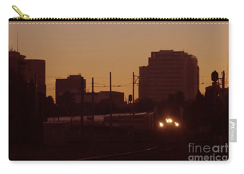 Train Carry-all Pouch featuring the photograph A Train A Com In by David Lee Thompson