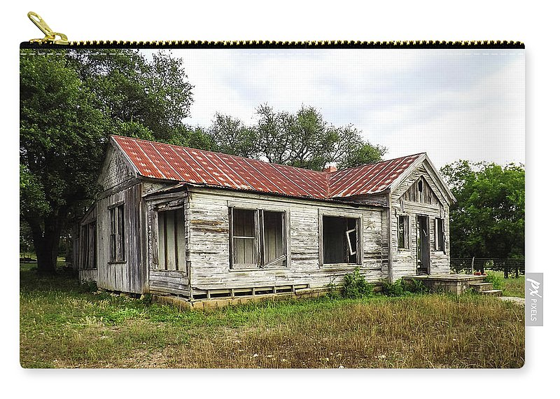 Farm Carry-all Pouch featuring the photograph Abandoned Farm House by Jeffrey Fuller