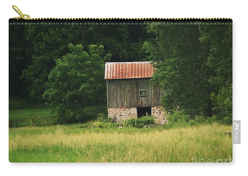 Old Barns Carry-all Pouch featuring the photograph Abandoned by Marilyn Smith