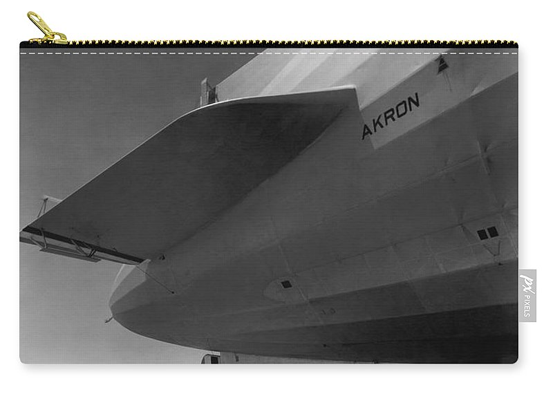 1930s Carry-all Pouch featuring the photograph Akron Dirigible At Moffett by Underwood Archives