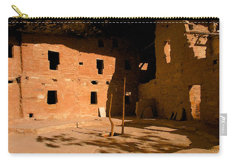 Anasazi Carry-all Pouch featuring the painting Anasazi Kiva by David Lee Thompson