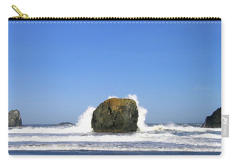 Bandon Carry-all Pouch featuring the photograph Bandon 14 by Will Borden