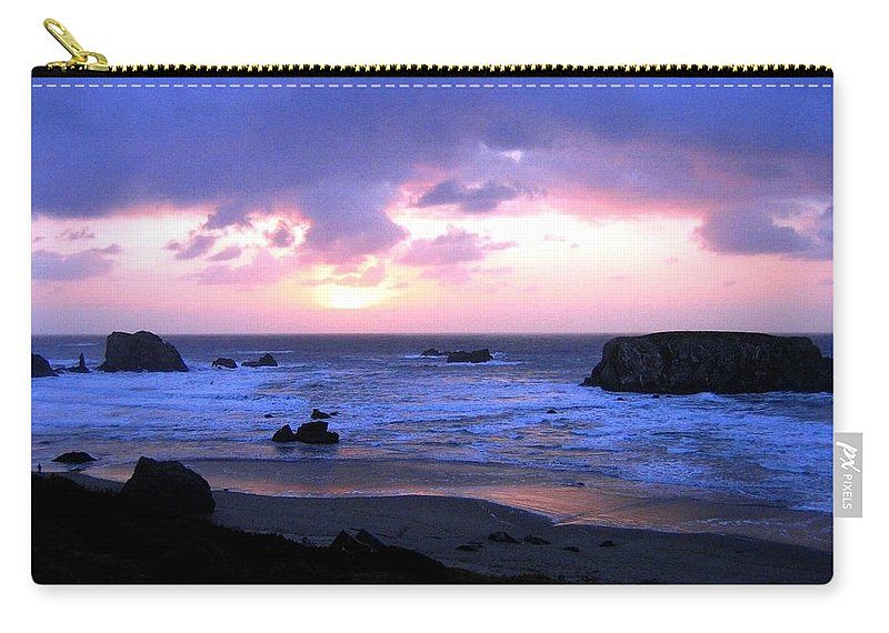 Bandon Carry-all Pouch featuring the photograph Bandon 27 by Will Borden