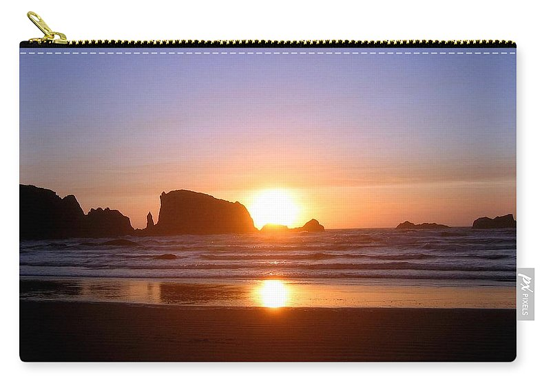 Bandon Carry-all Pouch featuring the photograph Bandon 7 by Will Borden