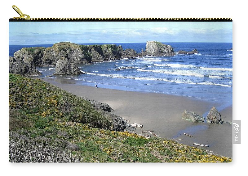 Bandon Carry-all Pouch featuring the photograph Bandon 8 by Will Borden