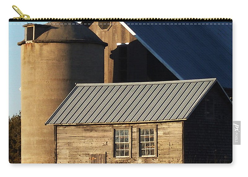 Barn Carry-all Pouch featuring the photograph Barn At 57 And Q by Tim Nyberg