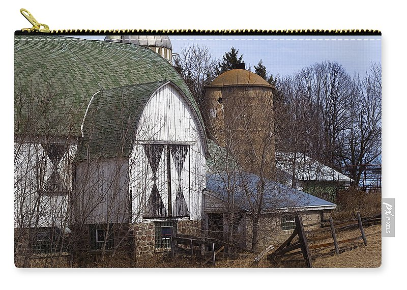 Barn Carry-all Pouch featuring the photograph Barn On 29 by Tim Nyberg