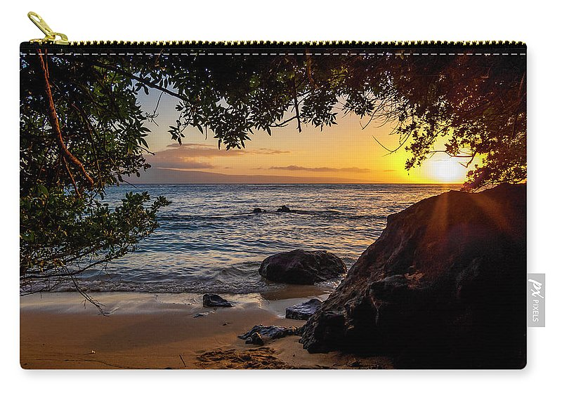 Sunset Carry-all Pouch featuring the photograph Beach Sunset by Daniel Murphy
