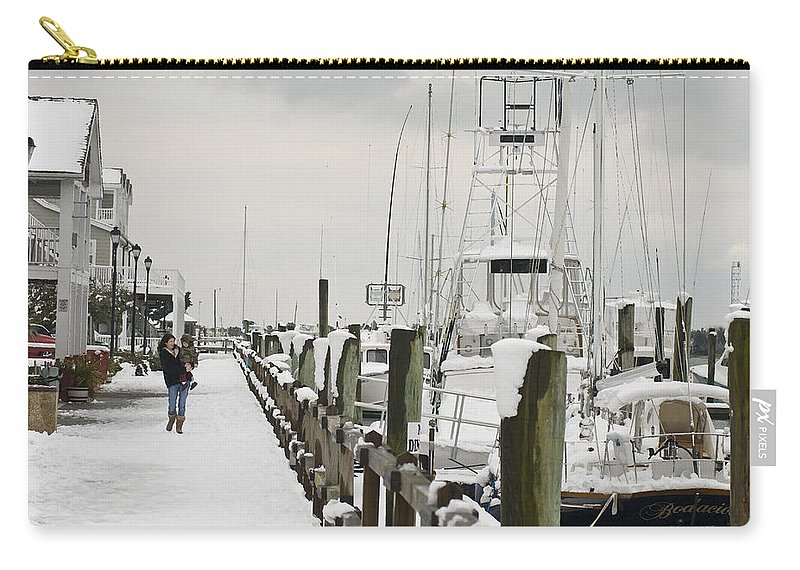 Beaufort Carry-all Pouch featuring the photograph Beaufort Mother With Child In Snow by Robert Ponzoni