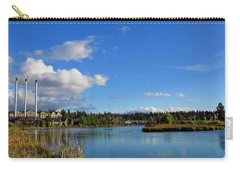 Bend Carry-all Pouch featuring the photograph Beautiful Bend by Brian Eberly