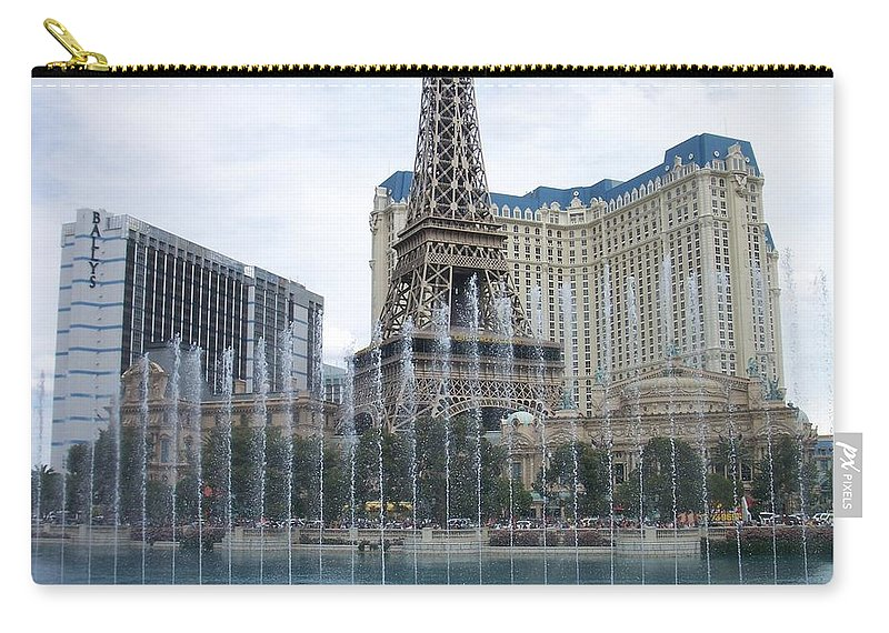 Bellagio Fountain Carry-all Pouch featuring the photograph Bellagio Fountain 1 by Anita Burgermeister