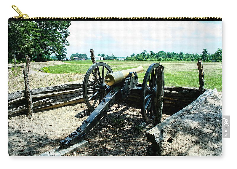Bentonville Carry-all Pouch featuring the photograph Bentonville Nc Confederate Artillery by Tommy Anderson