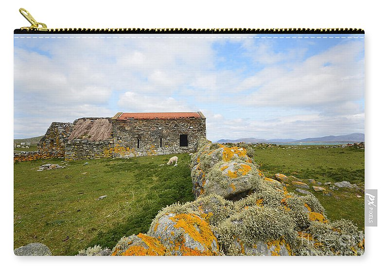 Berneray Carry-all Pouch featuring the photograph Berneray Farming by Smart Aviation