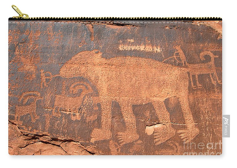 Petroglyph Carry-all Pouch featuring the photograph Big Bear Petroglyph by David Lee Thompson