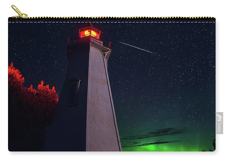 Tobermory Carry-all Pouch featuring the photograph Big Tub Shooting Star by Cale Best