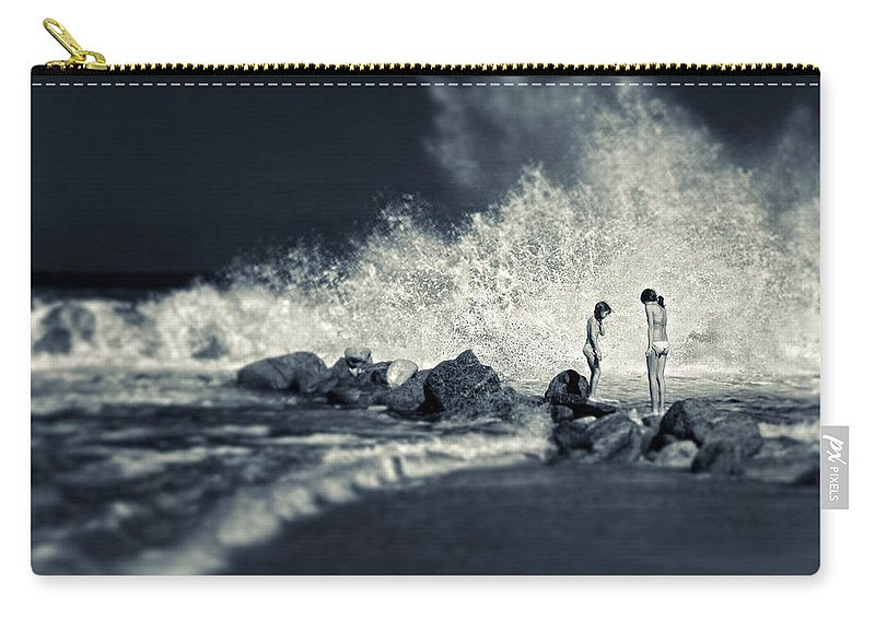 Split Toned Carry-all Pouch featuring the photograph Big Wave by Silvia Ganora