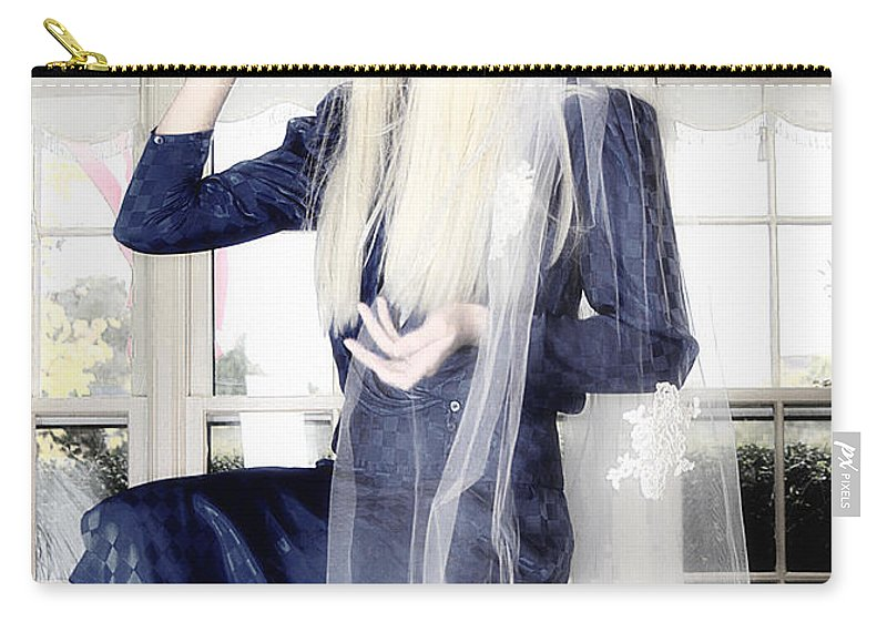 Clay Carry-all Pouch featuring the photograph Blanco Beauty by Clayton Bruster
